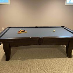 Olhausen 8ft Chicago Table in excellent condition